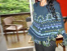 W083 Wool Poncho w Arch Embroidery_004