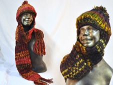 W 058 Knitted Beanie with Scarf